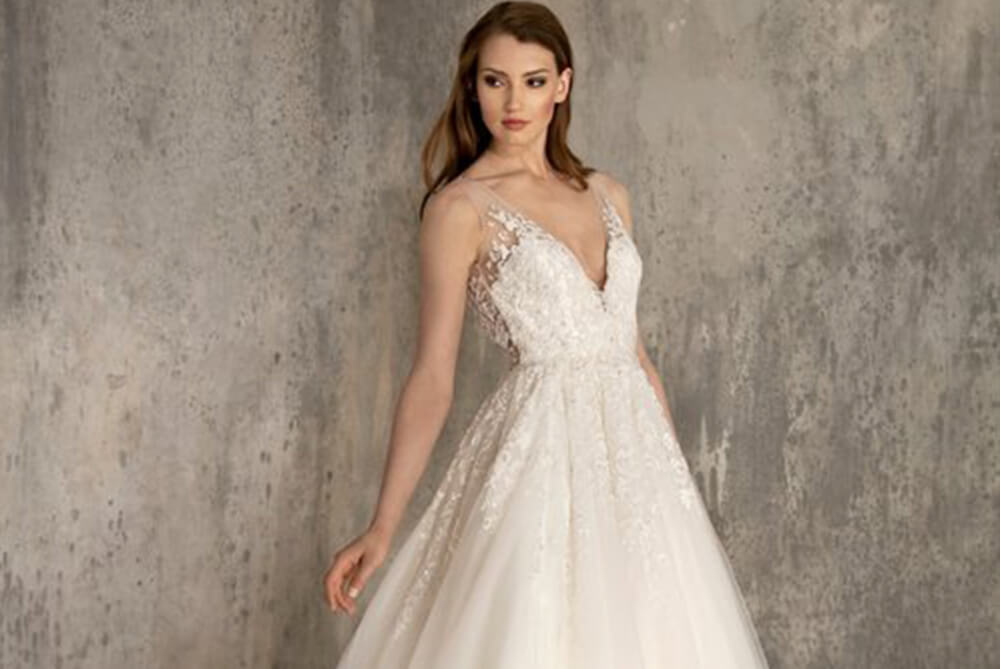 enaura-brida-ef603-v-neck-ball-gown-ivory-beading
