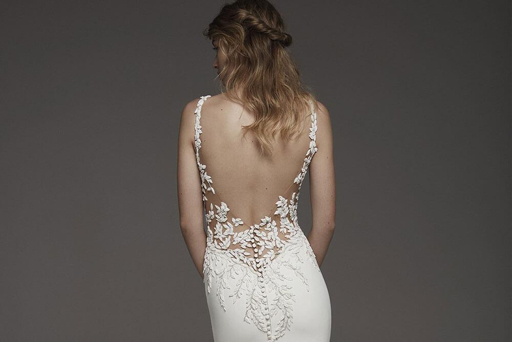 pronovias-hosta-crepe-low-back-glam-wedding-dress