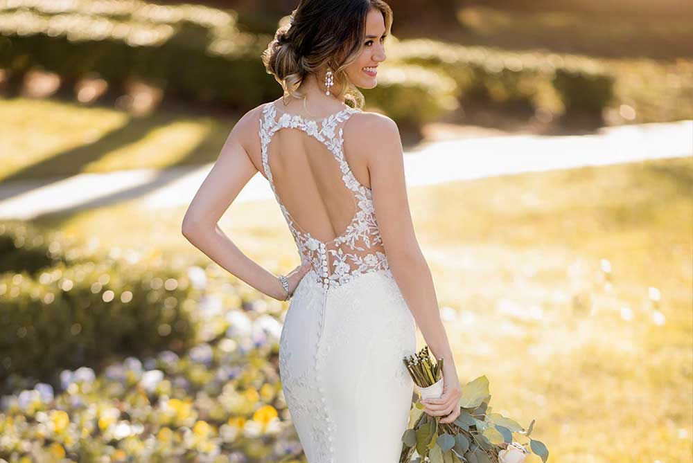 stella-york-fitted-lace-and-crepe-modern-wedding-dress