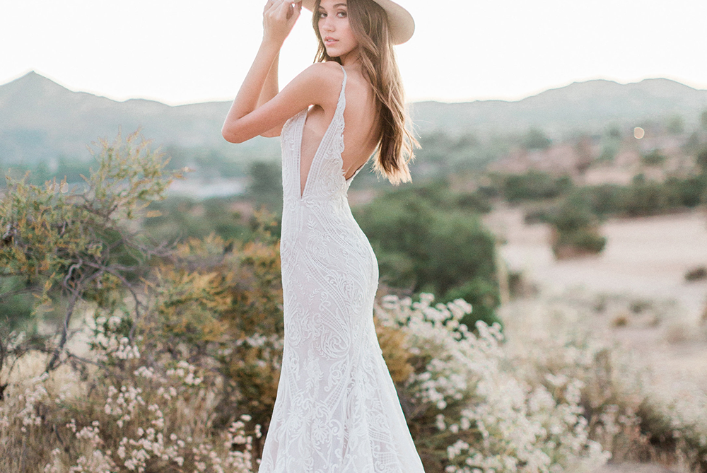 hayley-paige-zazu-lace-fitted-sexy-wedding-dress-laura-and-leigh-bridal