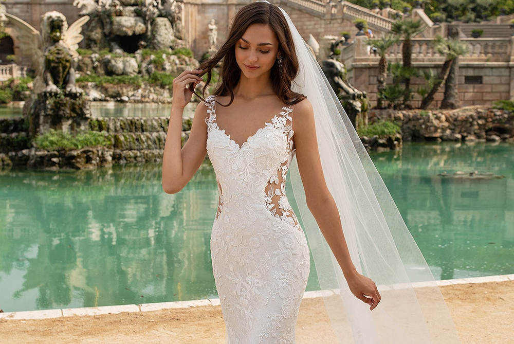 pronovias-lace-wedding-dress-morocco-laura-and-leigh-bridal
