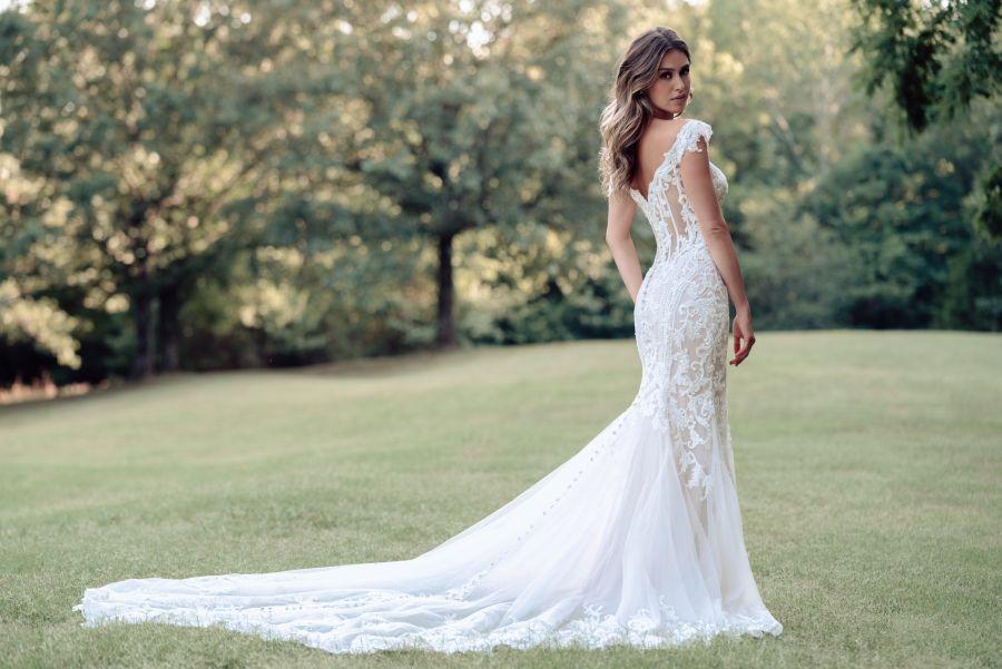 7 Ways Your Wedding Dress Informs Your Wedding Details